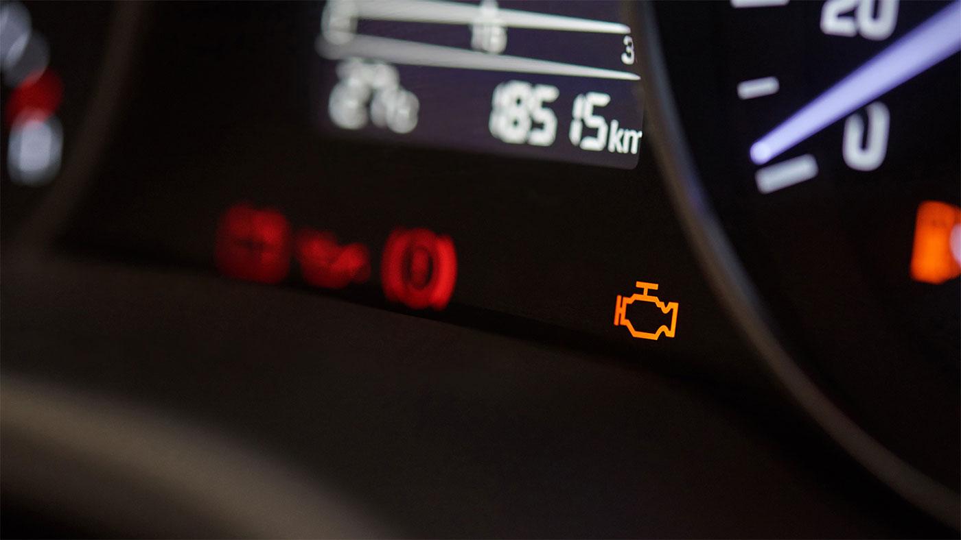 Luz de motor encendida. 2